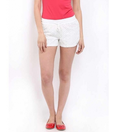 Pantaloni scurti albi din dantela  - 3